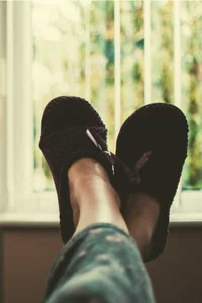 Feet in slippers, The importance of rest.